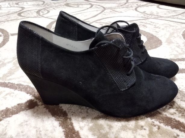Женские туфли Levus