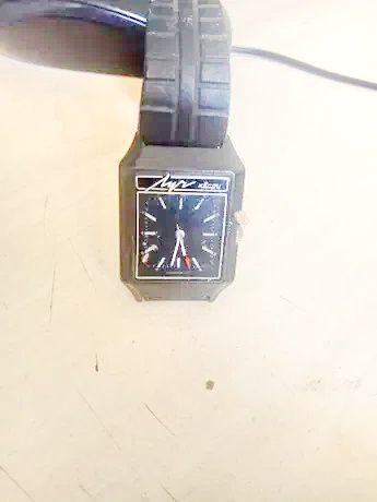 часы луч кварц СССР