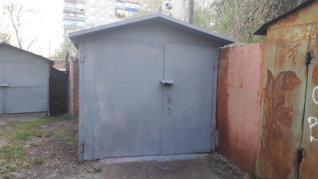 Металлический гараж в центре. Ахтырка