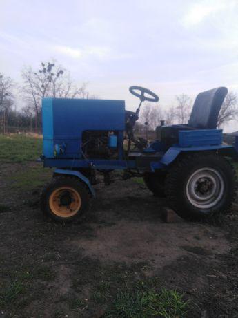 Трактор Продам срочно
