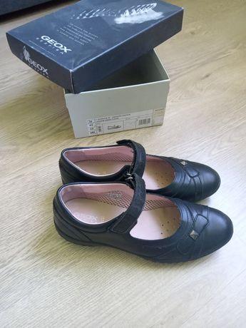 Туфли Geox в школу