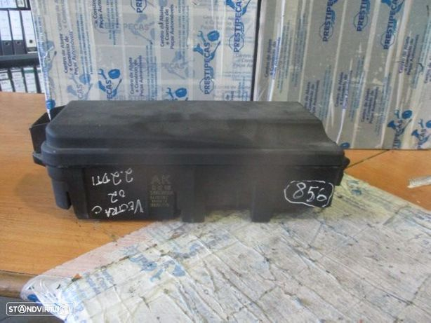 Caixa fusiveis 519038004 OPEL / vectra c / 2002 / 2.2DTI /