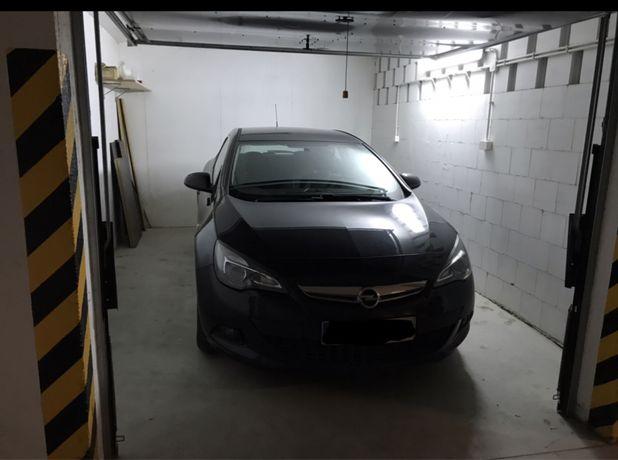 Garaż/box podziemny zamykany 18,5m2 ołtaszyn/wojszyce monitoring