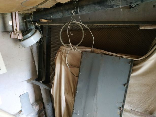 Кровать и двери балконные из СССР.