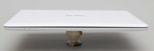 Ноутбук Асус Asus EeeBook X205TA белый