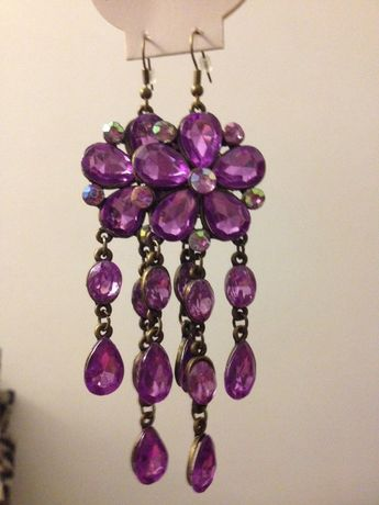 Nowe fioletowe wiszące kolczyki z kamieniami