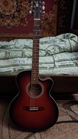 Продаю акустическую гитару. Цена: 8.000₽