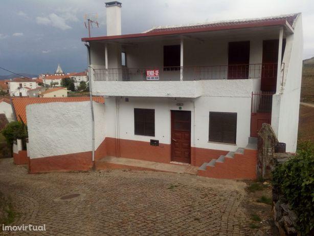 Vende-se Casa Rústica no Alto Douro Vinhateiro