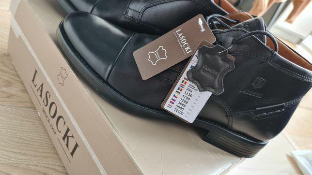 Продам новый ботинки Lasocki