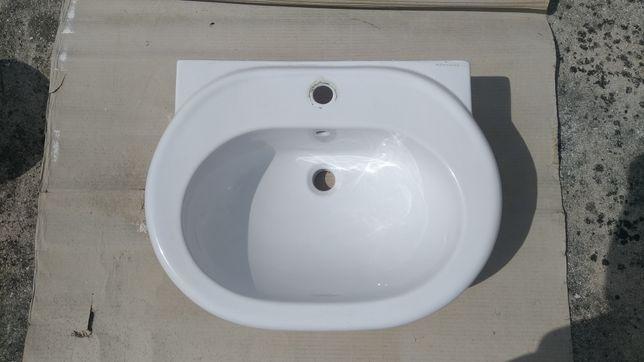 Lavatório de WC branco