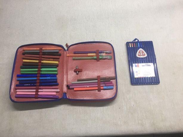 Porta lápis + conjunto de lápis + compasso