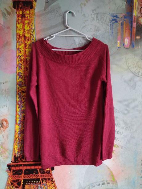 Czerwony sweter sweterek