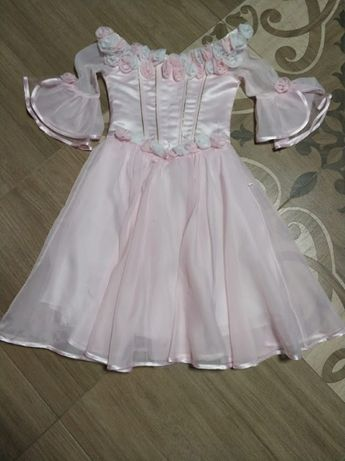 Платье нарядное 128-134р