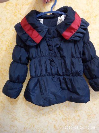 Демисезонная курточка на девочку 5-6 лет