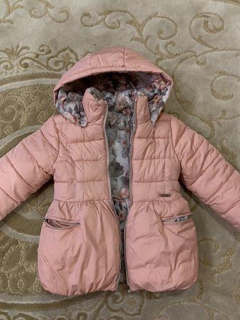 Продам куртку майорал