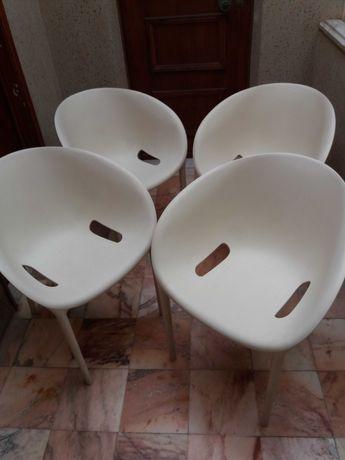 """Conjunto vintage de 4 Cadeiras empilháveis Contemporâneas """"Soft Egg"""""""