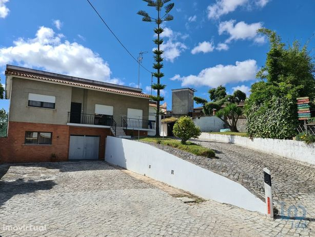 Moradia - 120 m² - T4