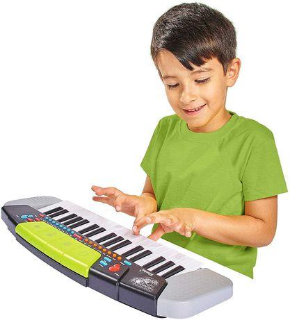 Simba My Music World Keyboard z funkcją nagrywania i odtwarzania