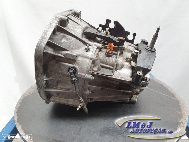 Caixa de velocidades manual Usado RENAULT/TRAFIC II Box (FL)/2.0 dCi 115 (FL01,...