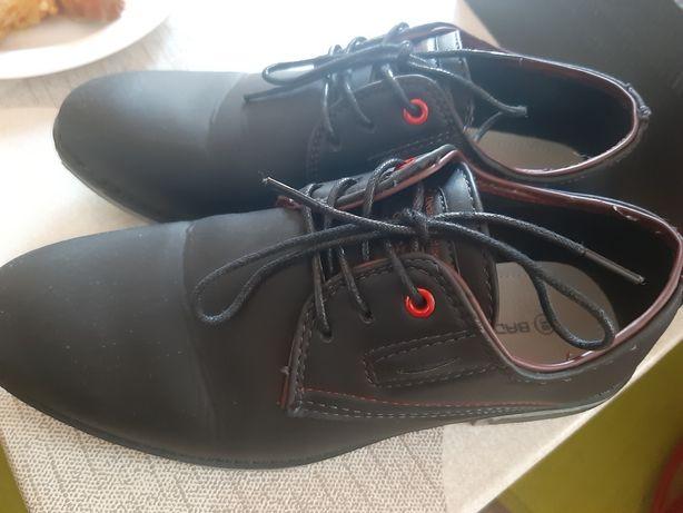 Pantofle dla chłopca r. 38 komunia