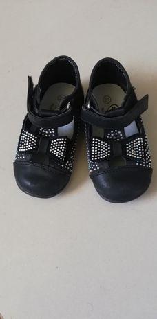 Buciki czarne r21 pantofelki, sandałki dla dziewczynki