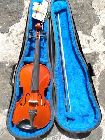 NOVO Violino 4/4 STRUNAL