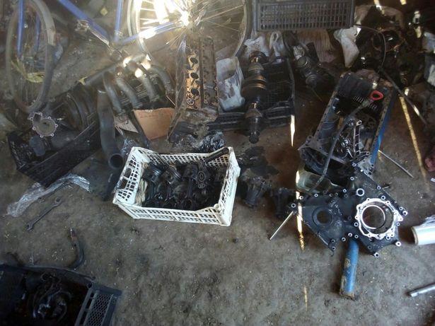 Мотор двигун на запчастини Ом 601 т1 2.3 віто спрінтер мерседес