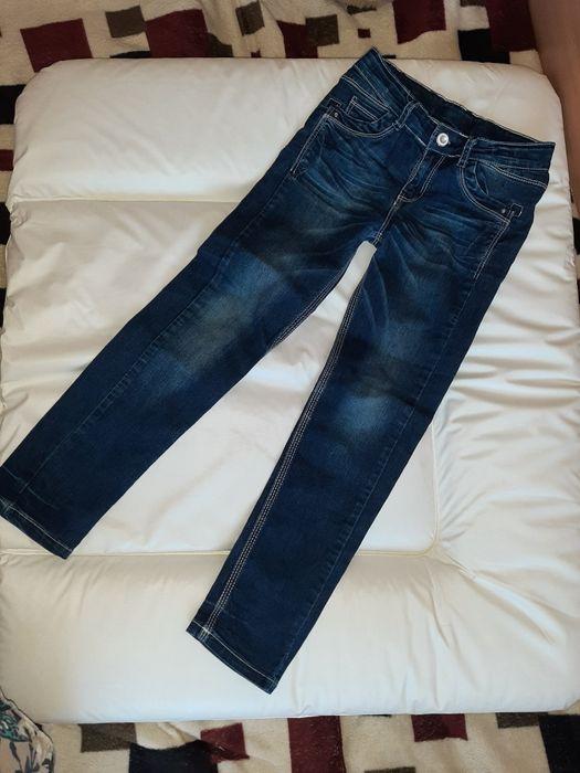 Продам джинсы на девочку, 7-8 л., 128 р. Хролы - изображение 1