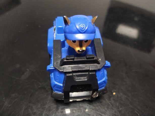 Veículos com figuras da patrulha pata
