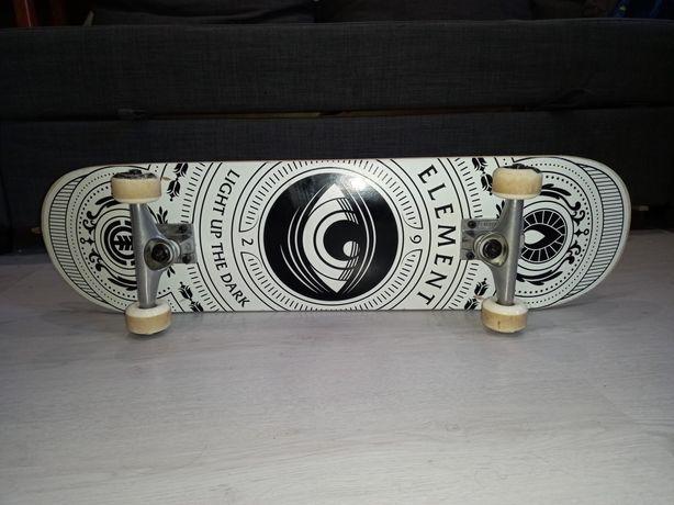 Skate element como novo