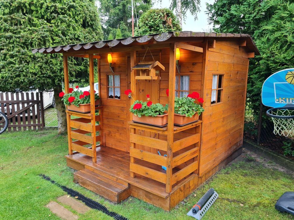 Domek drewniany dla dzieci do ogrodu