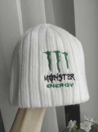 biała czapka monsterek alternative