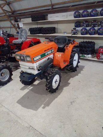 KUBOTA B1402-M японський міні трактор