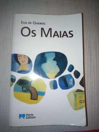 """Livro """"Os Maias"""" de Eça de Queirós"""