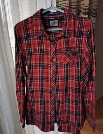 Czerwona koszula w kratkę