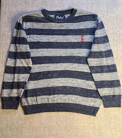 Продам тоненький трикотажный свитерок р.6-7 лет