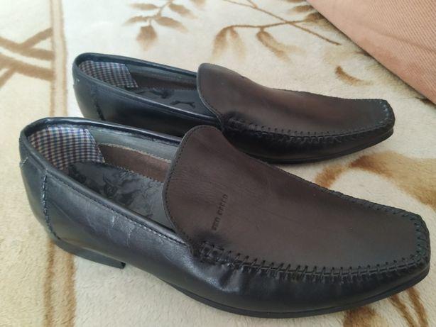 Продам новые оригинальные туфли на мальчика Ted Baker(по стельке-24.5с