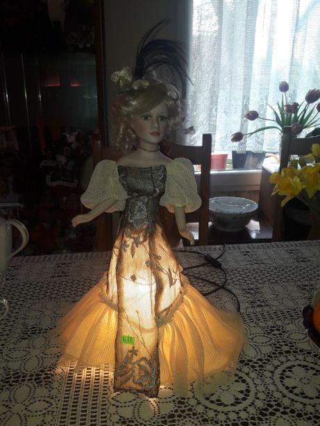 Lalka porcelanowa - lampka (417)