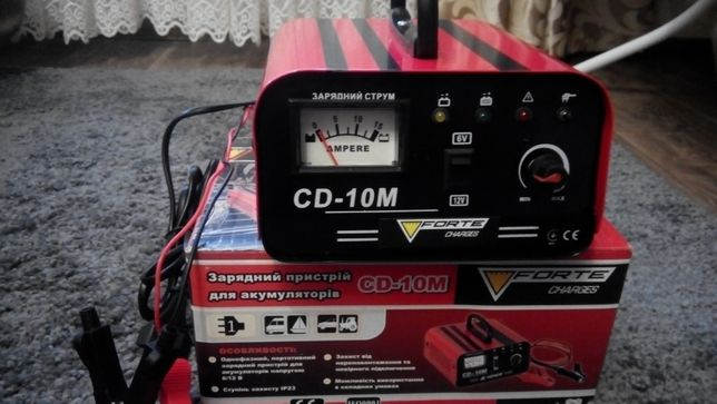 Зарядное устройство Forte CD-10M для авто и мото аккумулятора