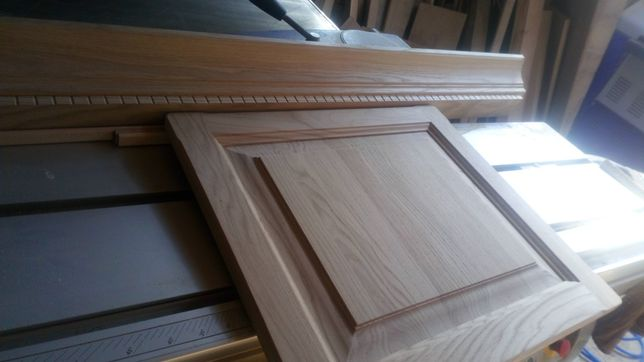 Fronty z drewna litego