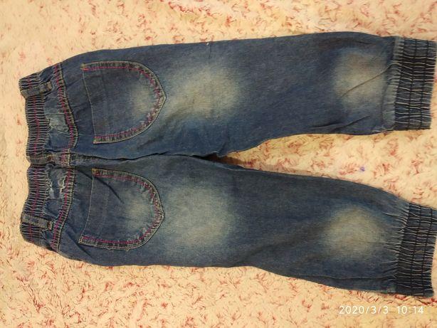 Продам летние джинсы на девочку