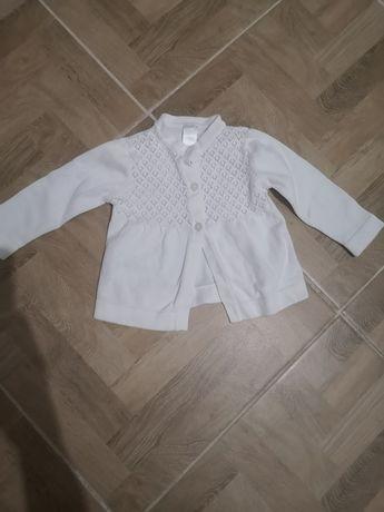 Biały sweterek rozmiar 74 jak newbie