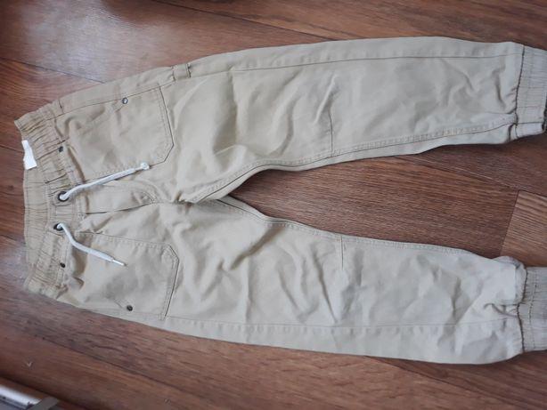 Продам джинсы Н&М на мальчика 6-7лет