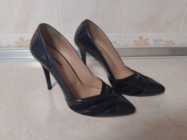 Тёмно- синие туфли на каблуке ScarpaMORE. Турция.
