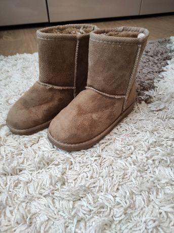 Продам зимние Угги для девочки