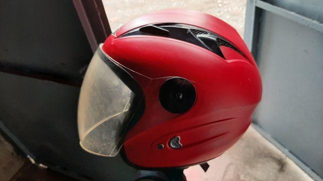 Продам шлем на скутер