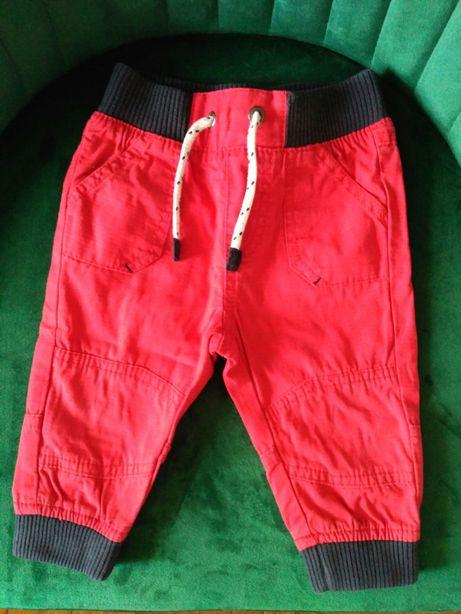 Spodnie materiałowe chłopięce r. 74