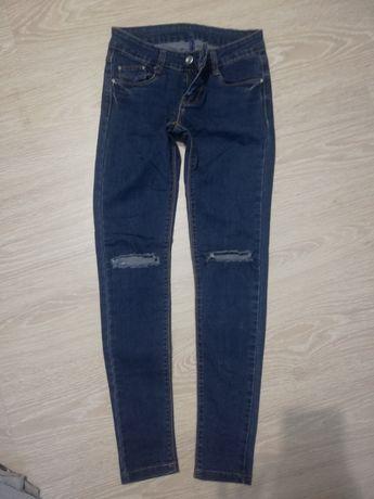 Продам джинсы, в отличном состоянии