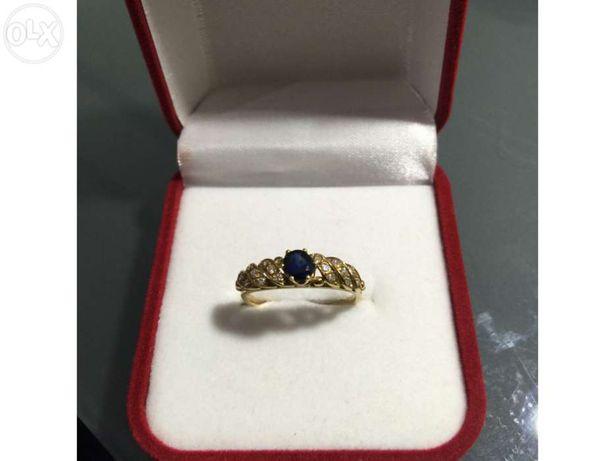 Anel em Ouro de Lei 800 ou 19.2Kt com 16 Diamantes