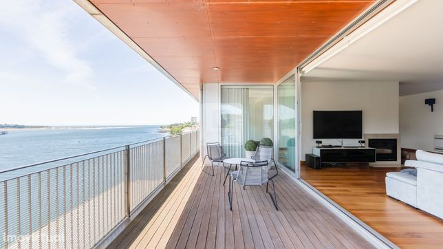 Apartamento T5 com 5 suites, acabamentos de luxo, Beira-Rio